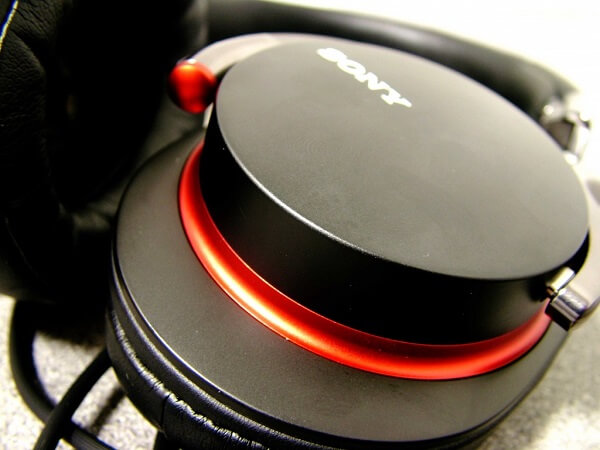 Sony MDR-1R Hardware