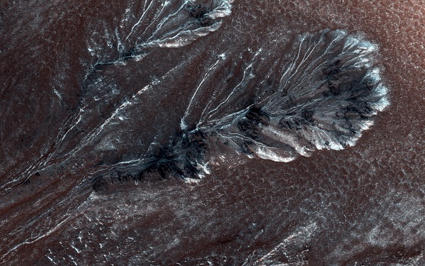 snowy dunes on the surface of mars