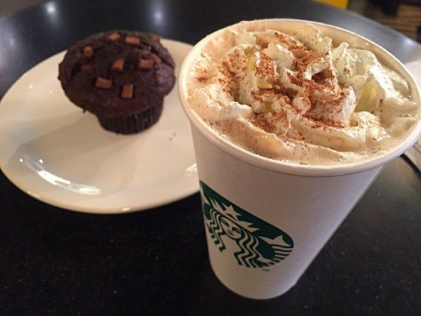 Strbucks pumpkin spice latte and brownie