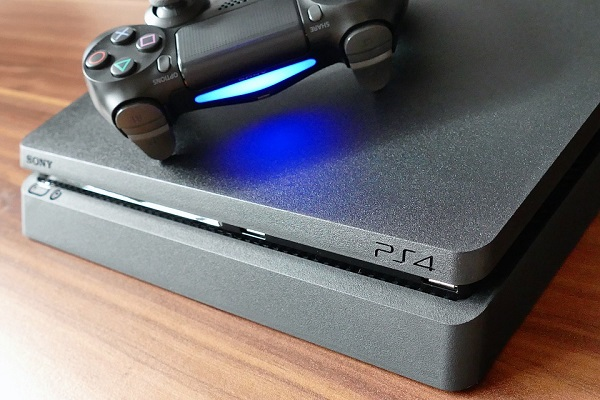 PlayStation 4 console and controller