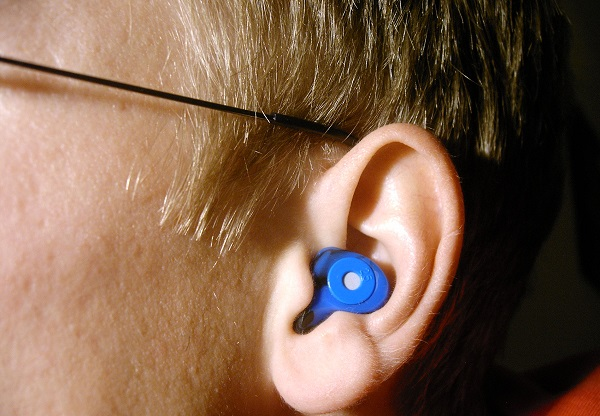 Scientists developed a device that is able to alleviate the sounds produced by tinnitus.