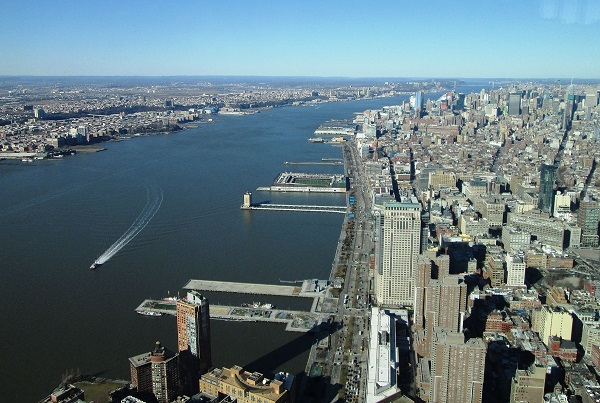Photo of Hudson River taken in Manhattan.